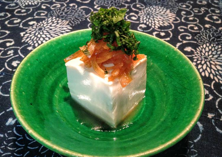 Sweet-Sour Onion Dressing with Tofu