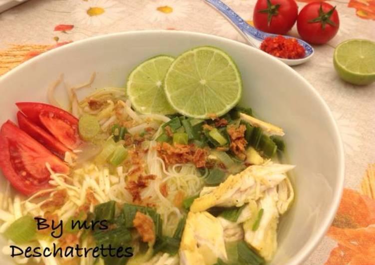 Chicken soup(soto ayam)