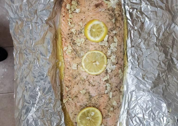 Baked Salmon (keto friendly)