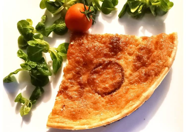 Quiche aux oignons rouge et tomates confites