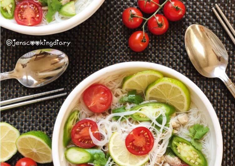 Thai Rice Noodles Soup