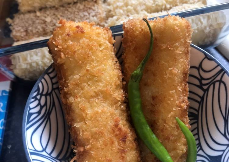 Risoles with chicken ragoet (creamy) filling - Indonesian Snack