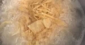 Bubur Nasi Dengan Kembang Tahu
