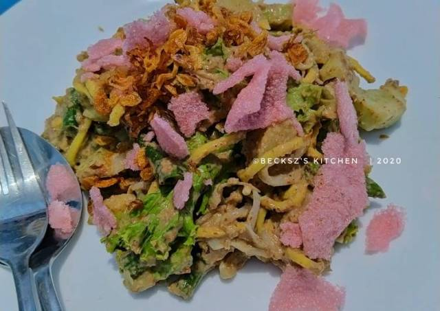 151. LOTEK a.k.a Minangnesse Vegetable Salad with Peanut Sauce
