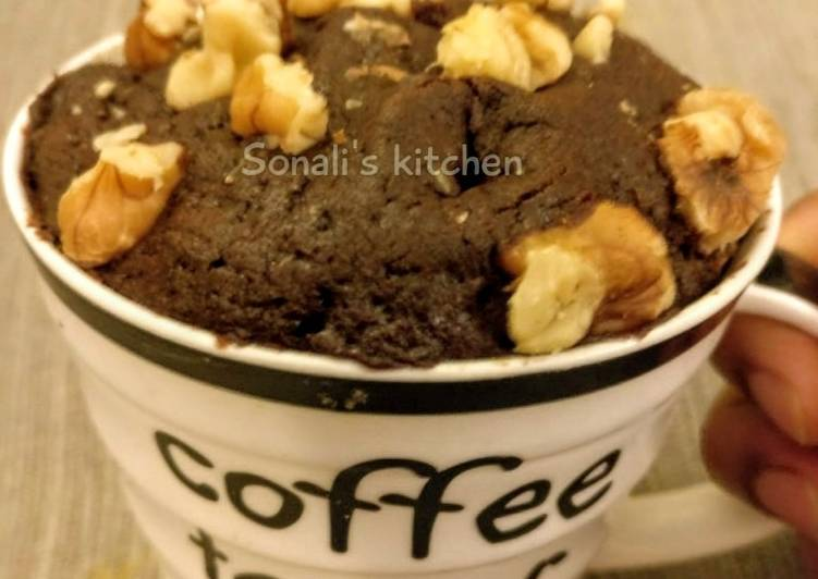 Chocolate walnut Mug Cake in Microwave