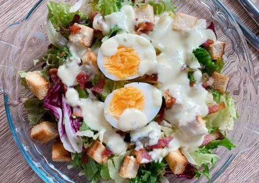 Salad creamy ranch dressing