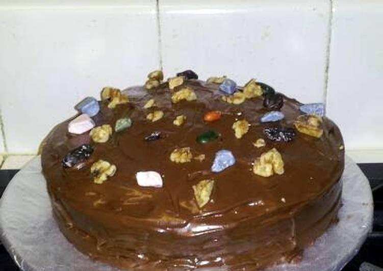 Teri's Chocolate  Crack Cake