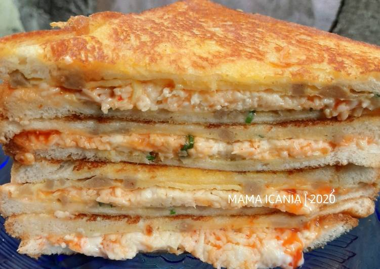 Sandwich bakso telur