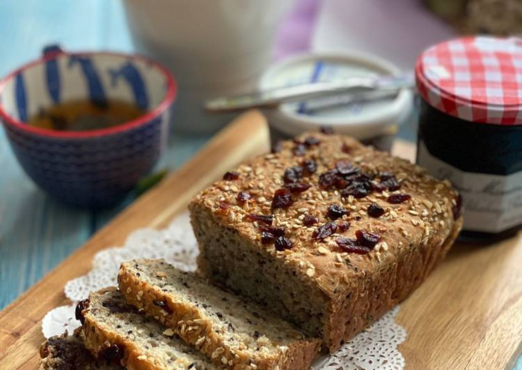 Healthy Oat and Seeds Loaf
