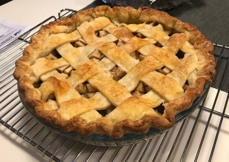 Binging with Babish Apple Pie