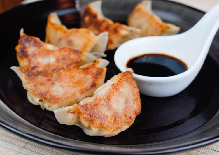 金黃脆底日式煎餃食譜 by Mrs Ps Kitchen - Cookpad