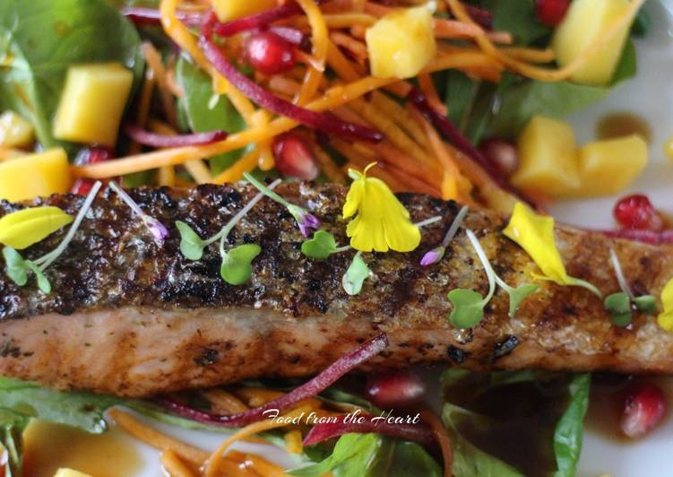 Grilled Salmon with Mango and Pomegranate