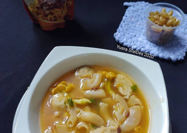 Bolognese Macaroni Bakso Soup