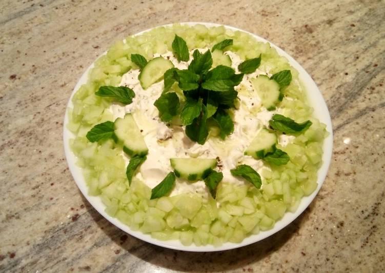 Yogurt cucumber salad