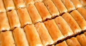 Baklava rolls khas Turki