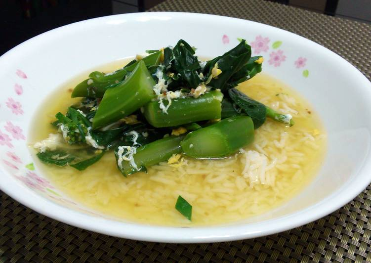 , How to Make Tasty Chinese Broccoli And Egg Rice Soup