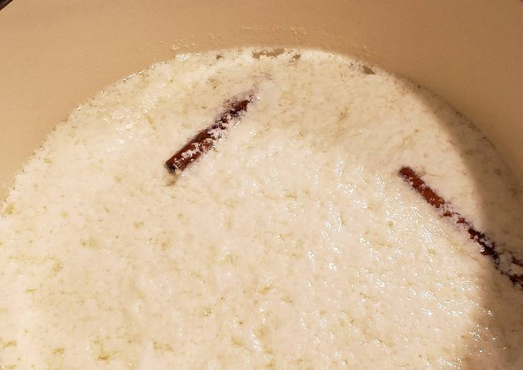 Dulce de leche casero (Dominican style milk treat)