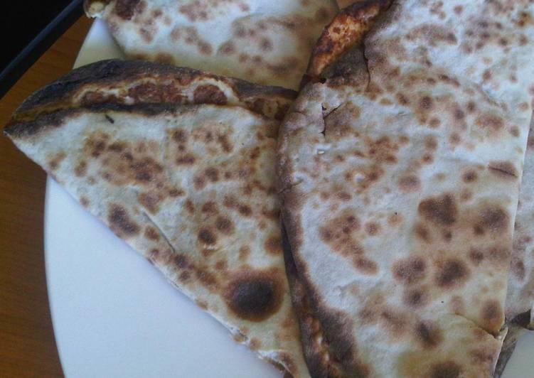 Syrian meat pie Safiha