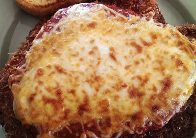 Easy and Spectacular Chicken Parmesan