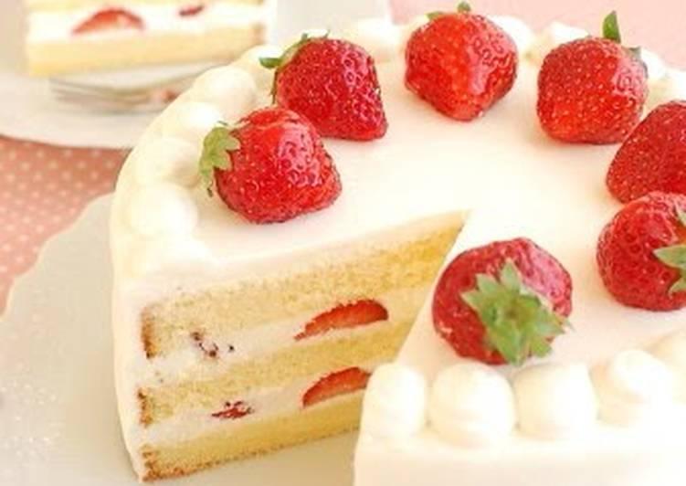 Indulgent Creamy Strawberry Shortcake