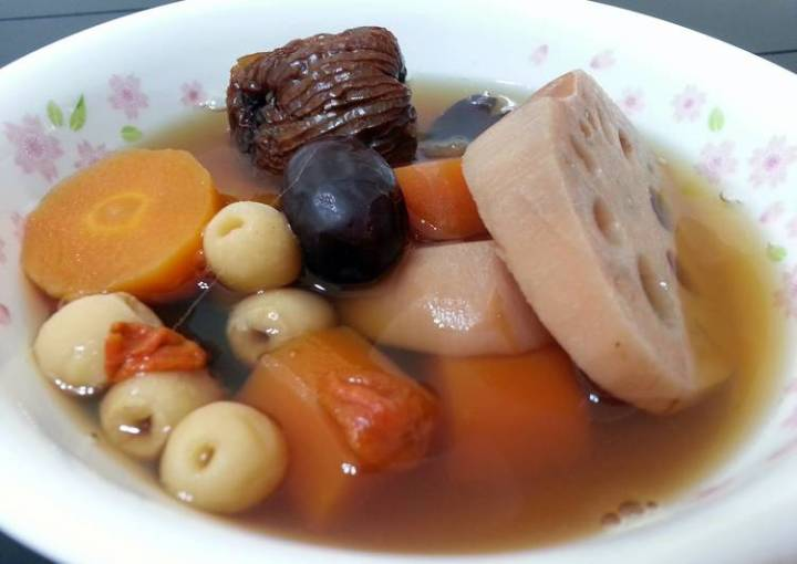 Lotus Root And Carot Soup /Vegan
