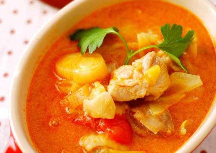 Perfect with Rice! Chicken and Tomato Milk Soup