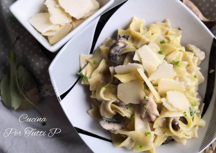 Tagliatelle poulet et sa crème aux champignons 🍄 et Parmesan