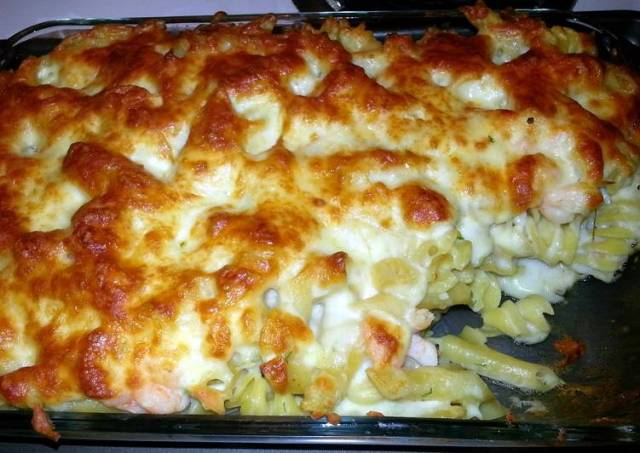 Baked cheese seafood alfredo