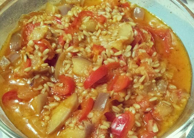 Oat groats and fruit vegetable stew