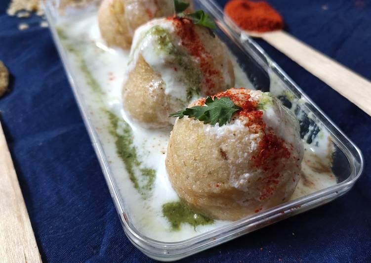 Mixed lentil dahi bhalla