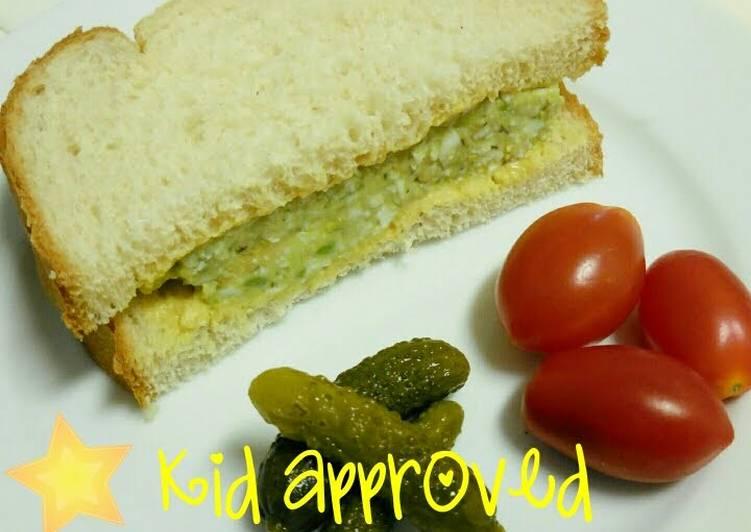 Easy avocado egg salad sandwich: kid approved!