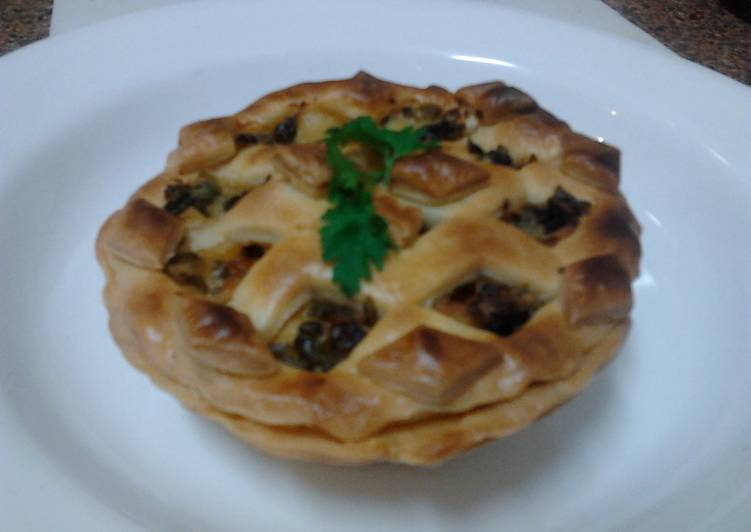 Ladybirds Chicken and Vegetablese Pies