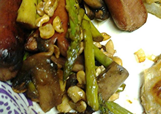 Asparagus,  mushrooms cashews and splitdogs