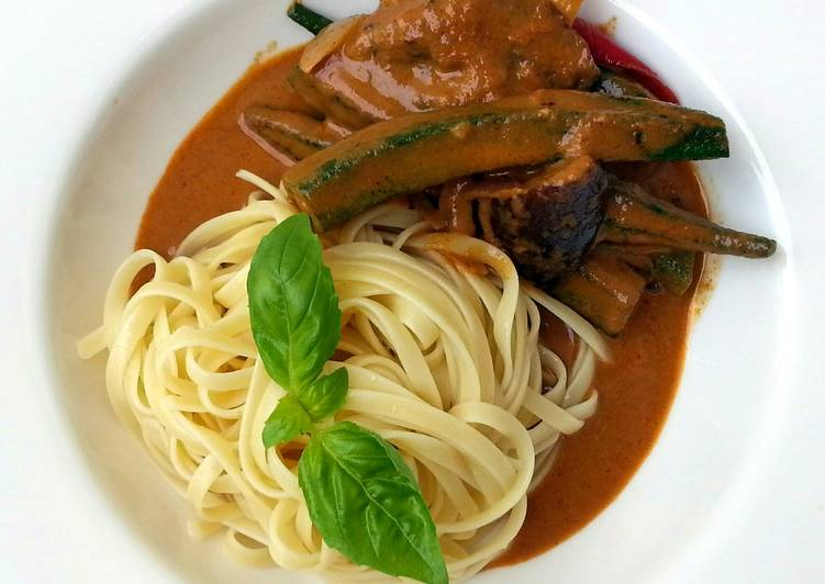 Thai Red Vegetables Curry Linguine