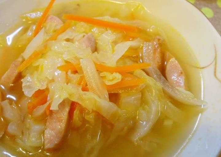 Hearty Cabbage and Vegetable Soup