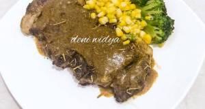 Steak Sapi Saus Lada Hitam (Beef Steak Black pepper Sauce)