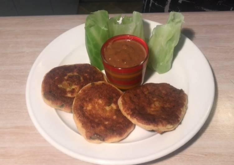 Fish cake with Cabbage wrapper and Satay sauce