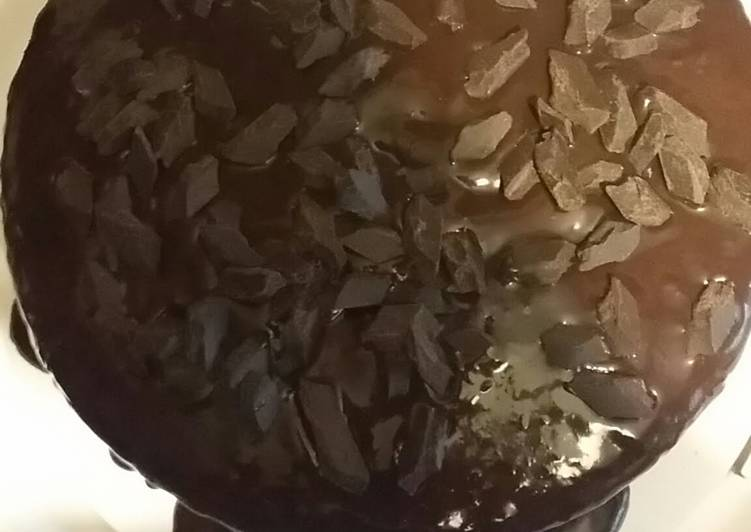 Moist * easy * Rich Chocolate Cake