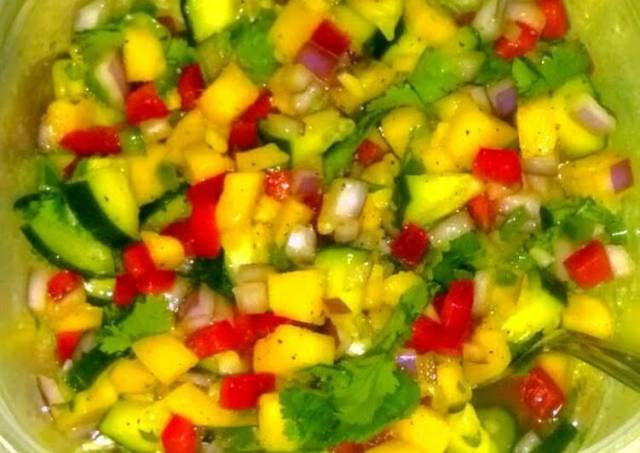 NomNom Mango salsa
