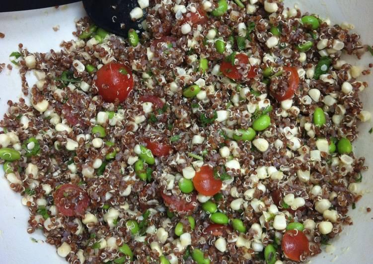 Quinoa Edamame Salad (Vegetarian)