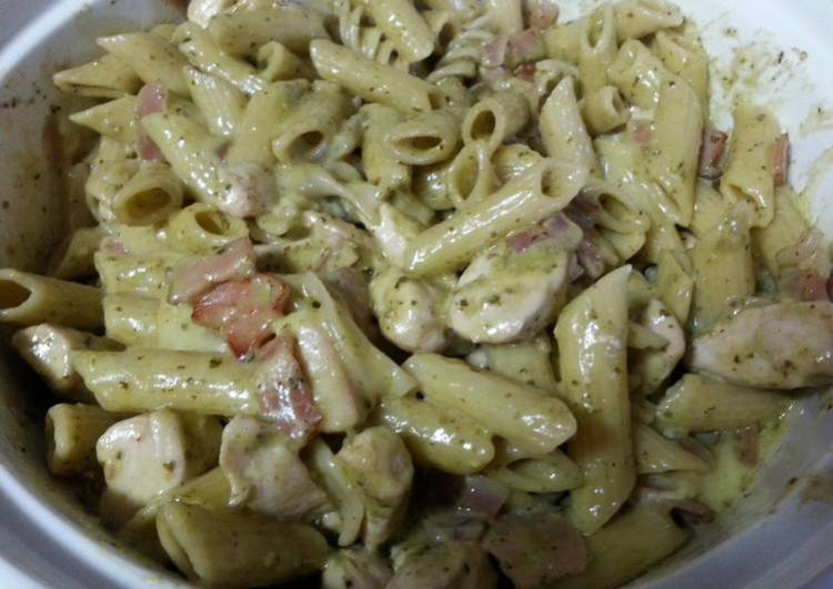 Creamy pesto pasta with camembert bacon and chicken