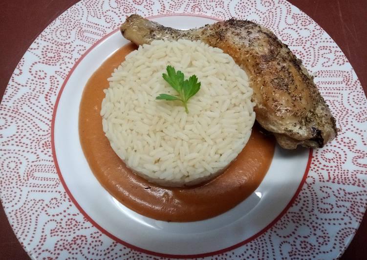 Riz créole, cuisse de poulet rôtie et sauce Aurore