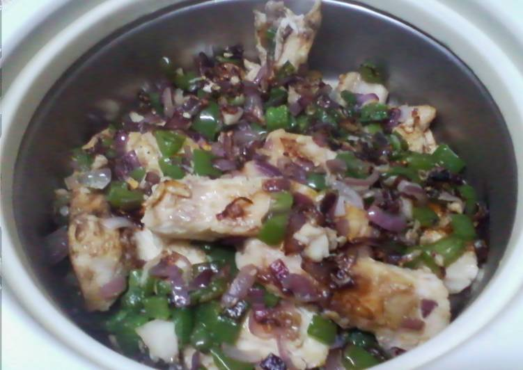 Onion and green pepper fish