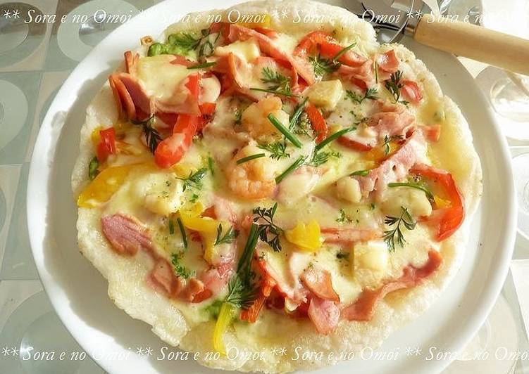 Mochi Pizza Made in a Frying Pan