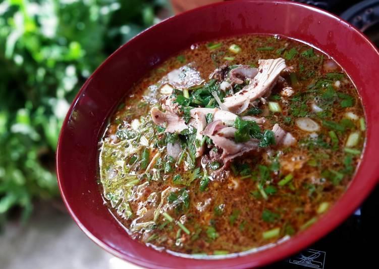 Yum Jin Gai / Spicy Chicken soup
