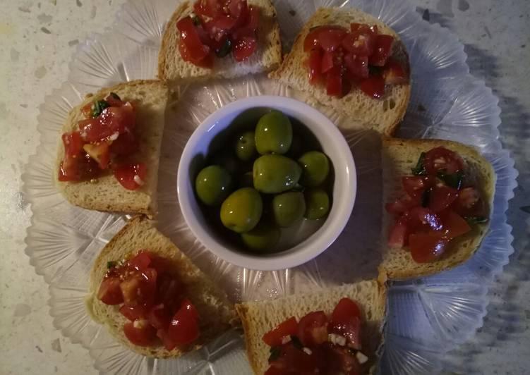 Tomato, garlic and basil bruschetta