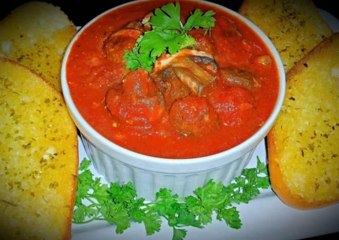 Mike's Marinara Sauce & Garlic Parmesan Bread