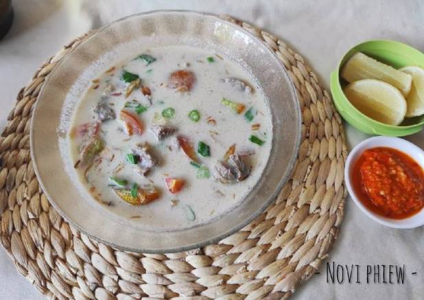 Soto betawi (santan + susu)