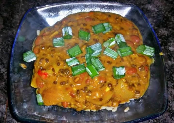 Creamy Black Lentil Curry