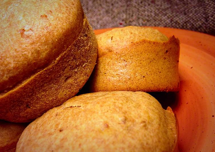 Whole Wheat Banana Date Muffins